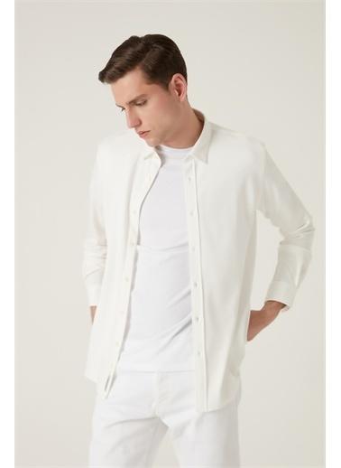 Tween Tween Slim Fit Siyah Baskılı Örme Gömlek Beyaz